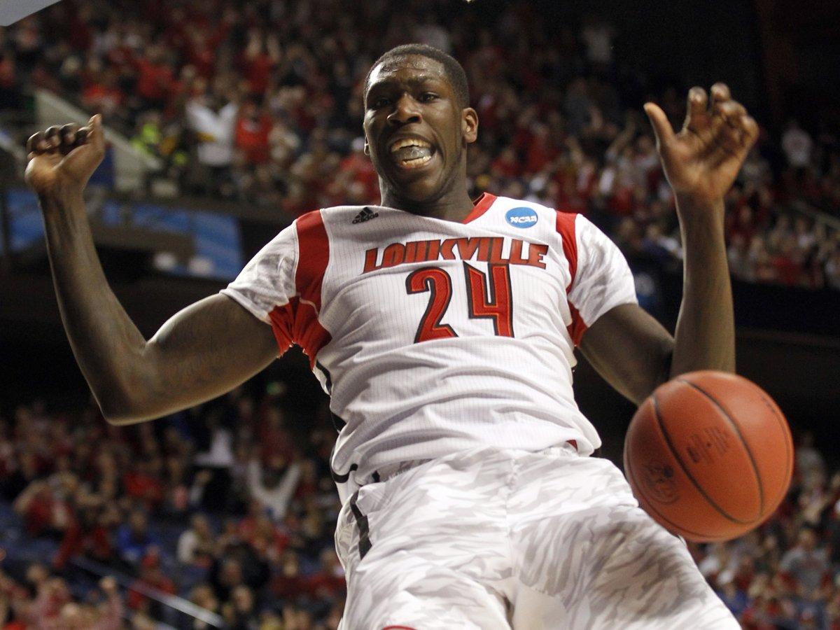 Photo via www.sportsworldnews.com