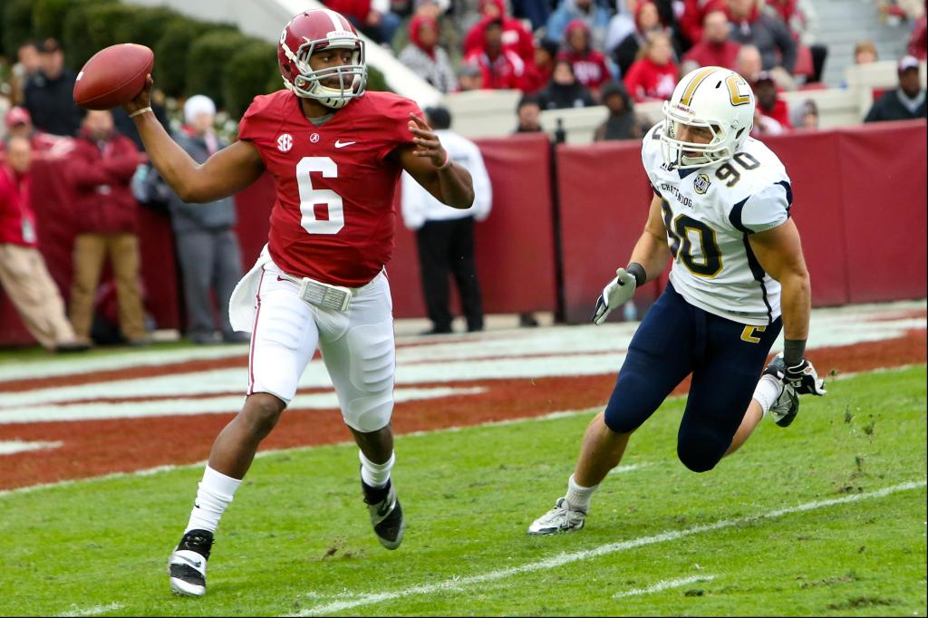 Photo via www.campussports.net