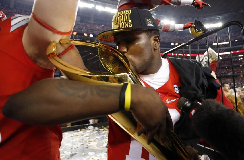 Photo via: http://cdn.fansided.com/wp-content/blogs.dir/251/files/2015/01/cardale-jones-ncaa-football-national-championship-ohio-state-vs-oregon-850x560.jpg