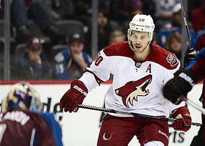 Photo via http://images.hngn.com/data/images/full/56677/arizona-coyotes-center-antoine-vermette.jpg