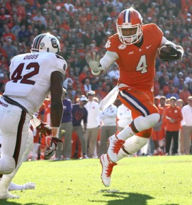 Deshaun Watson will need to have one of the best games of his career if the Tigers are to come out with a win. Photo via: www.sportsbank.net