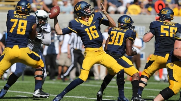 Jared Goff has the chance to cause havoc this season in the Pac 12. Photo via: http://blog.pubsport.com