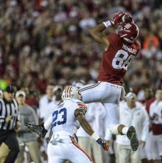 OJ Howard is a massive tight end for the Crimson Tide; Howard also happens to be the Tide's leading receiver. Photo via: www.pinterest.com